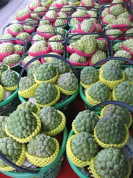 450px-Sugar-apples_5,_Taitung_County,_Dec_06